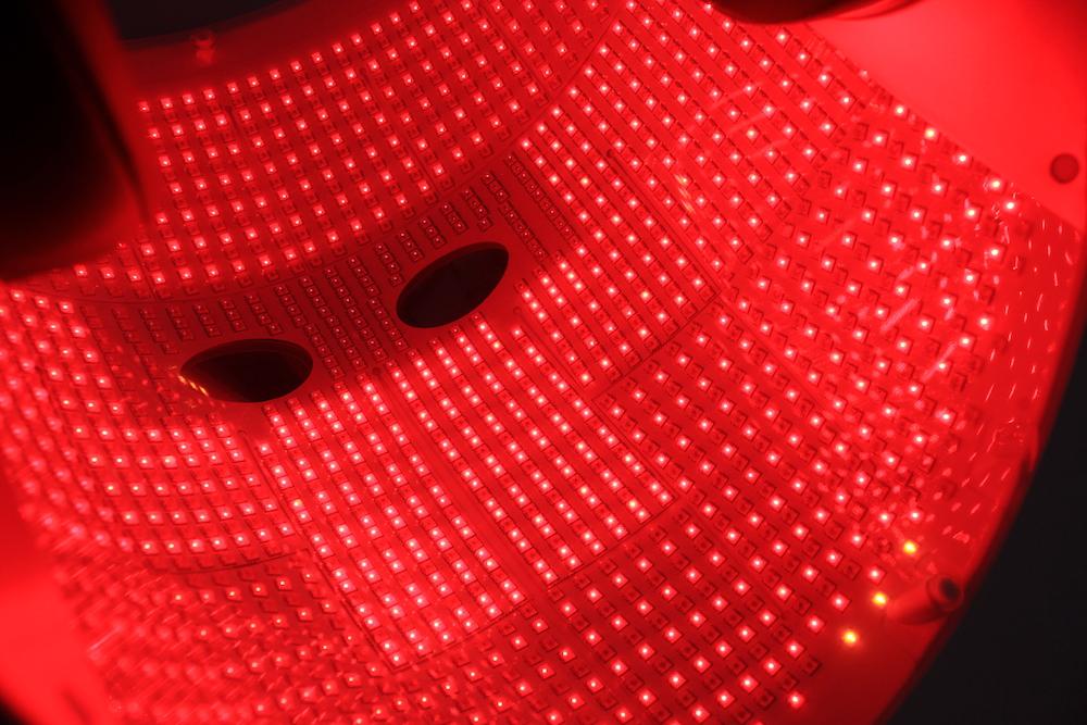 Гэртээ хэрэглэдэг LED маскууд үнэхээр үр дүнтэй юу? Мэргэжилтнүүд хариулж байна (фото 6)