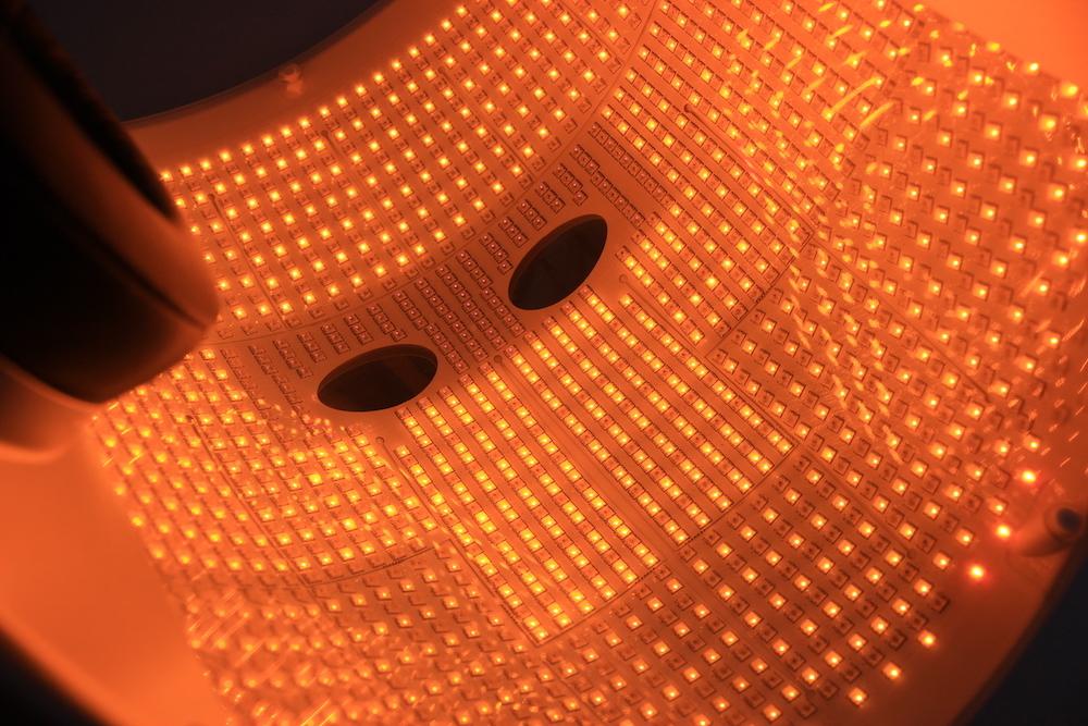 Гэртээ хэрэглэдэг LED маскууд үнэхээр үр дүнтэй юу? Мэргэжилтнүүд хариулж байна (фото 5)