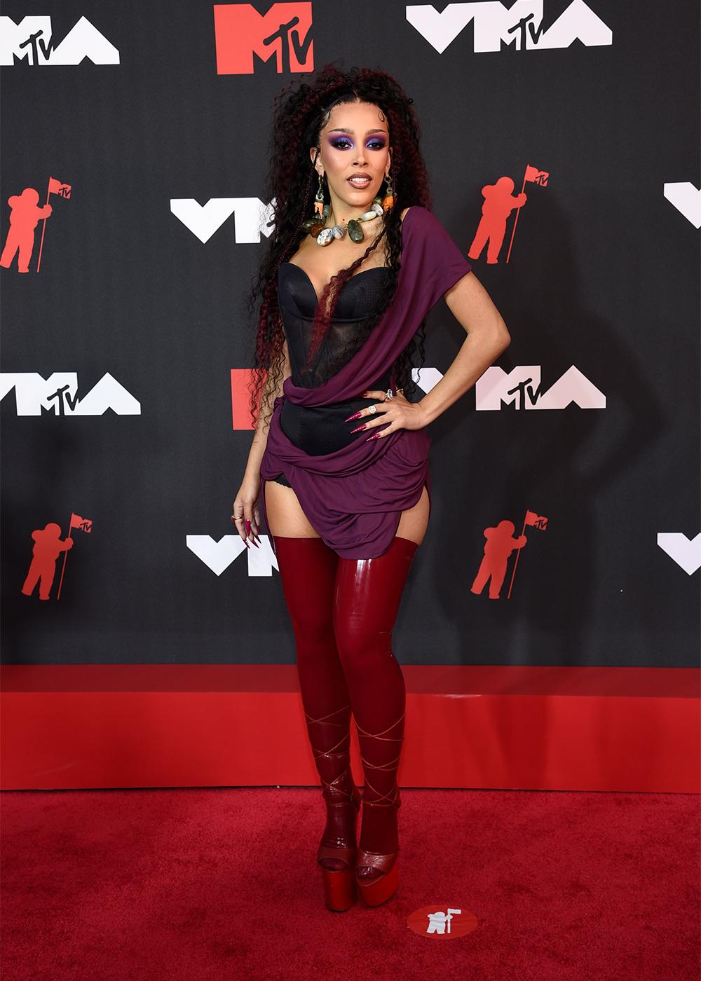 MTV VMA 2021: Улаан хивсний ёслол (фото 1)