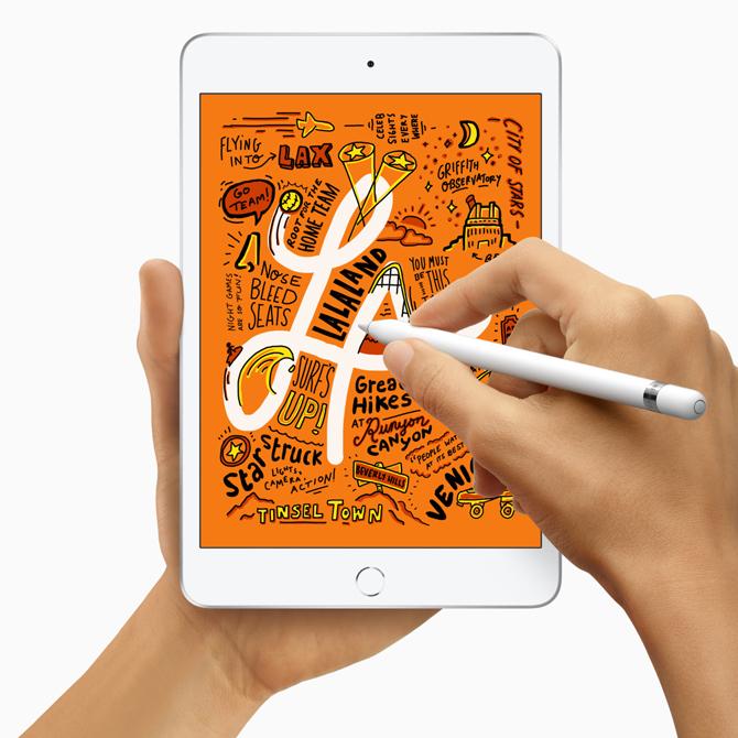 ТАНИЛЦ: Apple компани хоёр шинэ iPad гаргалаа