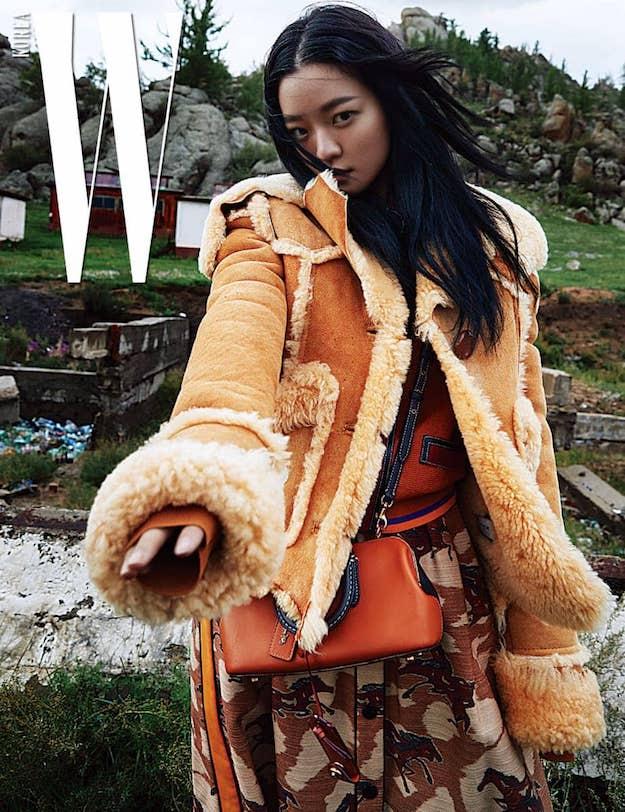 Солонгосын W сэтгүүл аравдугаар сарын дугаарынхаа зураг авалтыг Монгол улсад хийлээ (фото 1)