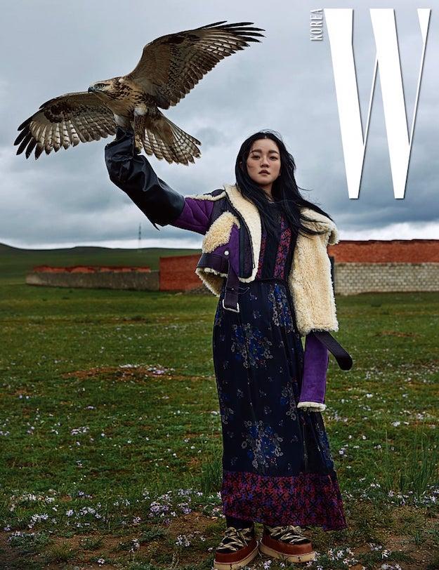 Солонгосын W сэтгүүл аравдугаар сарын дугаарынхаа зураг авалтыг Монгол улсад хийлээ (фото 2)