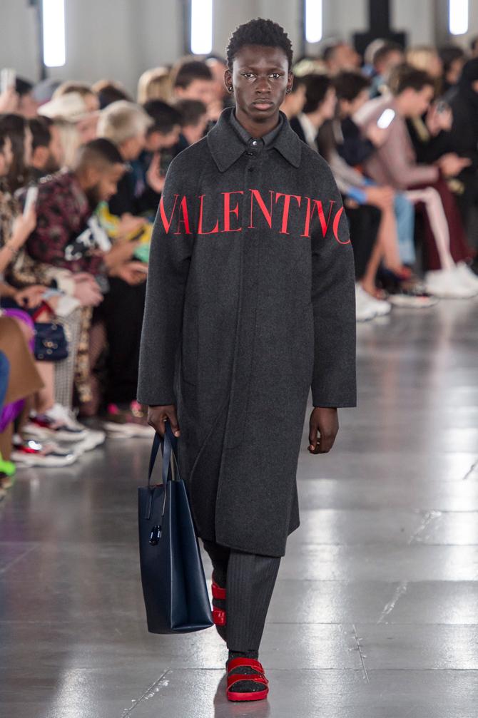 Birkenstock сандаалийн тансаг зэрэглэлийн хувилбарыг Valentino танилцууллаа (фото 1)
