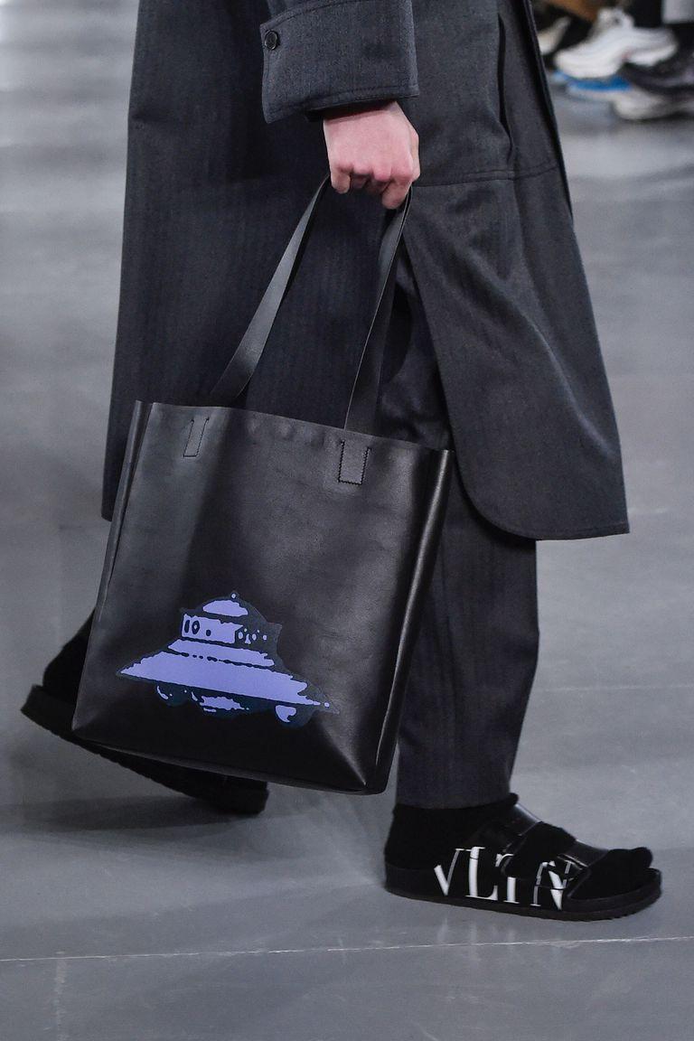 Birkenstock сандаалийн тансаг зэрэглэлийн хувилбарыг Valentino танилцууллаа (фото 2)