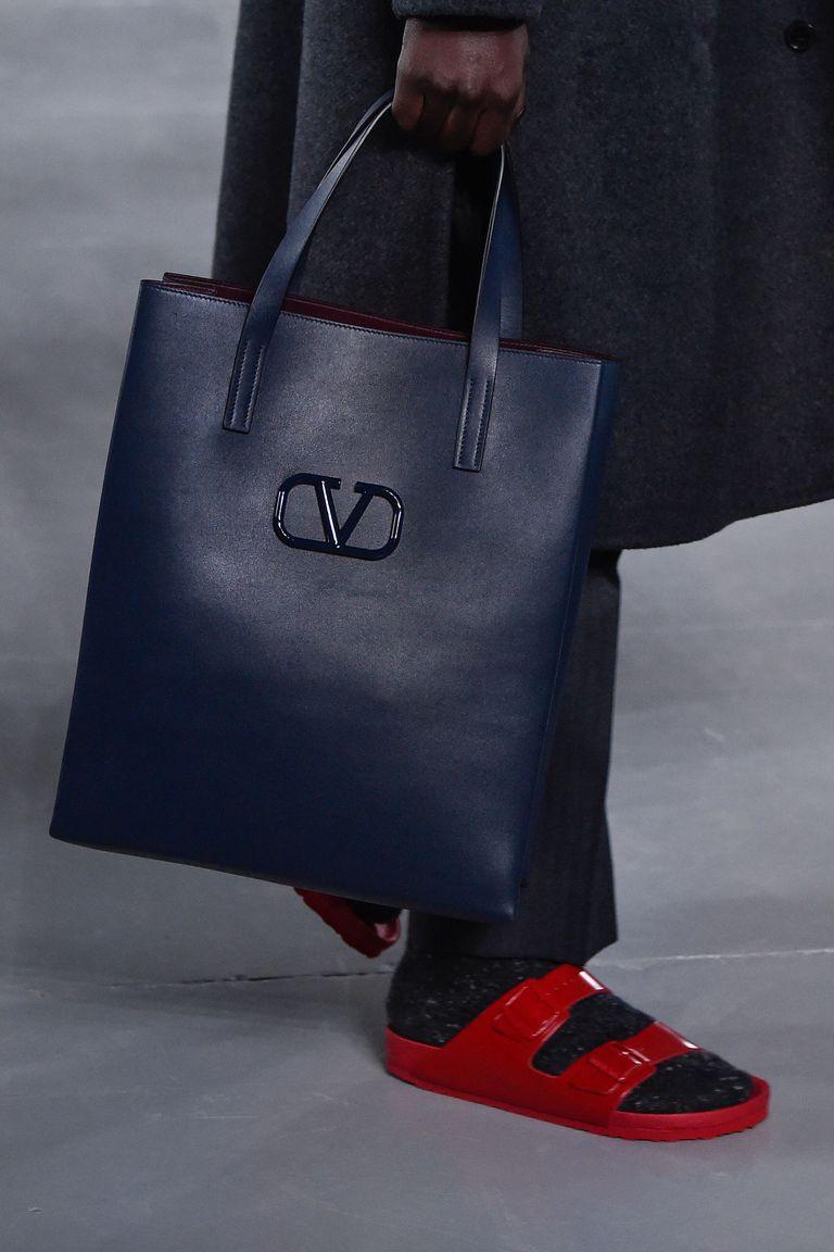 Birkenstock сандаалийн тансаг зэрэглэлийн хувилбарыг Valentino танилцууллаа (фото 3)