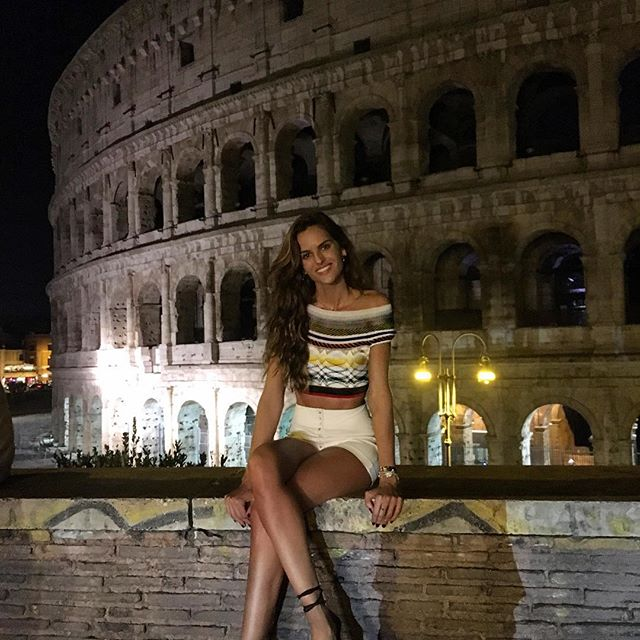 Arrivederci Italy    ... It was my very first time in this beautiful city ... Rome you are incredible!! Tchau tchau Itália! Foi incrível conhecer Roma... Cidade linda! Momentos únicos! #italy #rome #colosseum #weekend #gateway #grateful #iloveitaly