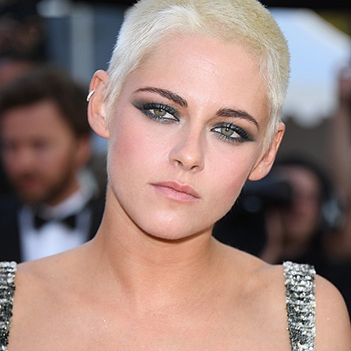 Check out who else made it to our list of best #beauty looks in 2017 on the link in bio #buro247singapore #makeup #kristenstewart