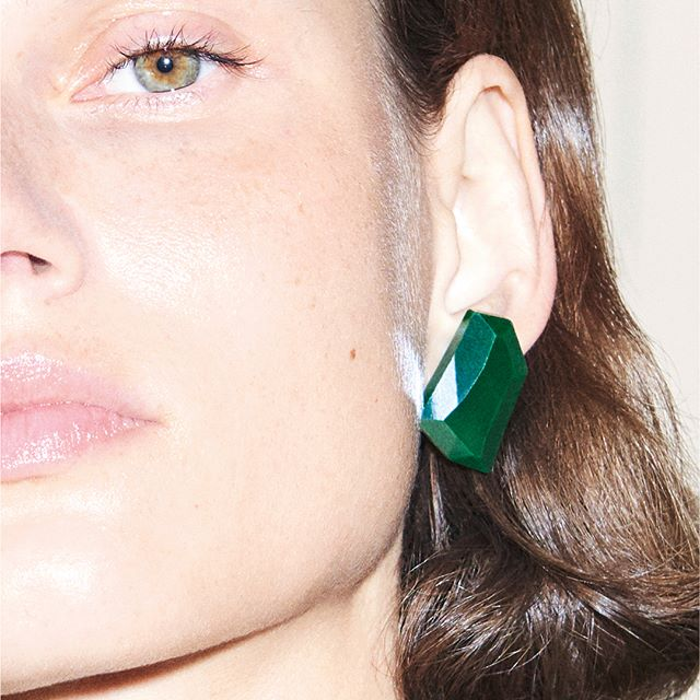 My favourite green crystal earrings from the SS18 show have arrived! They are exclusive to my website and #VBDoverSt. Visit my stories and swipe up to shop! x VB