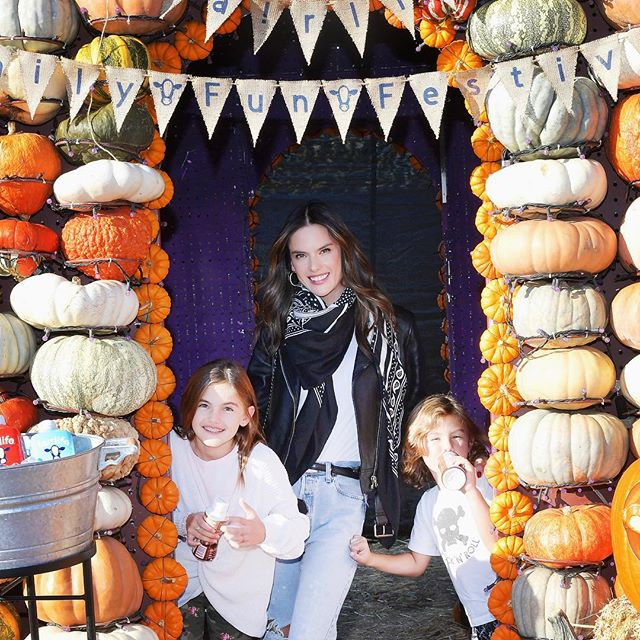 Had such an awesome day with the kidos at the #fairlifefest @mrbones     !  Loved all the Halloween pumpkin treats made with @fairlife. #delicious #ad