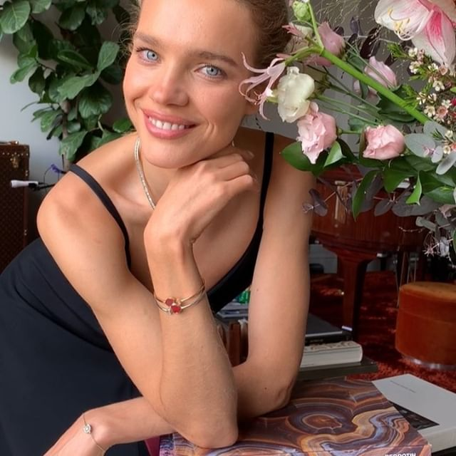 Hello world      today on @elbi @chopard Happy Hearts collection to benefit @nakedheartfoundation