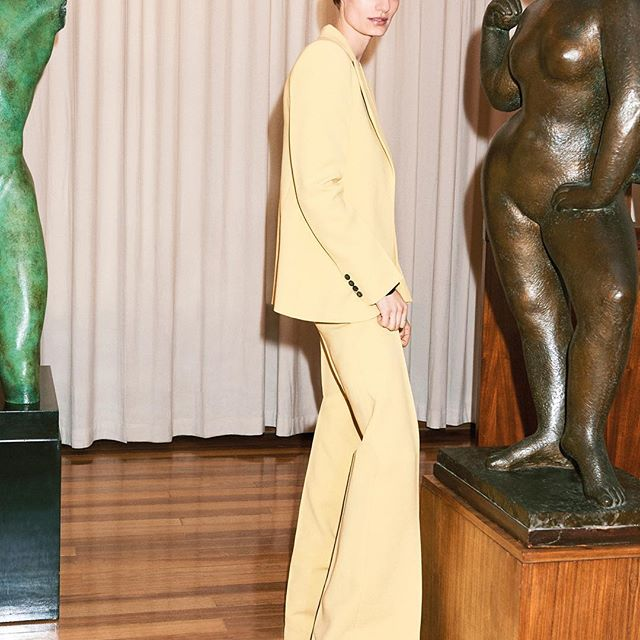 New tailoring online now! I love the #VBPreSS19 banana suit, shot at the @dorichhousemuseum, a former studio home of the female sculptor #DoraGordine and an international centre to promote and support women creative practitioners x VB