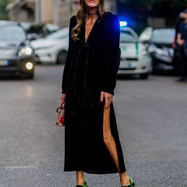 #Repost @streetstylegallery_      #AnnaDelloRusso #fashionicon #vogue #fashionstylist #streetstyle #fashionablelife  #streetstylegallery