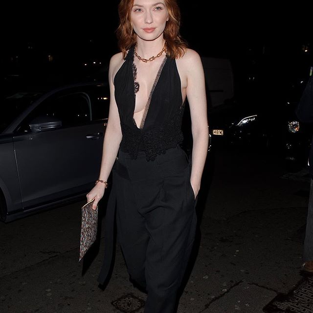 @eleanortomlinson stylish in my #VBSS19 lace cami, belted front pleat trouser, and floral pouch at the @britishvogue x @bafta party! x VB