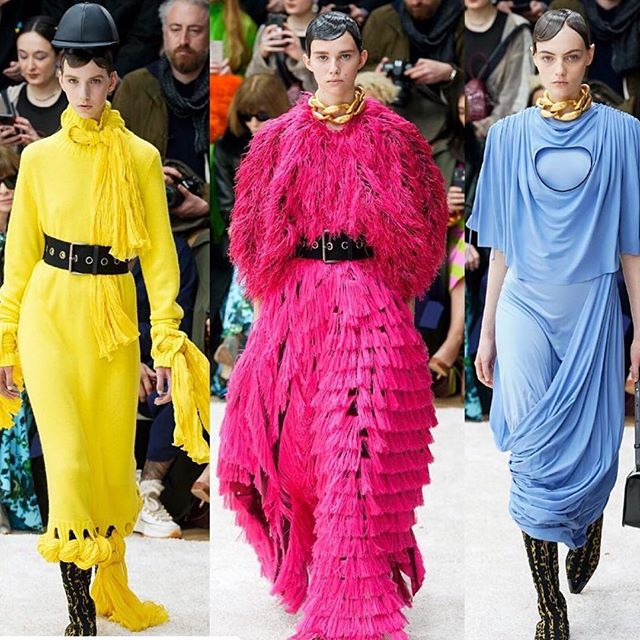 Geometric shapes and duality were the main focus of    @JW_Anderson s fall/winter 2019 collection. Anderson also explored a more refined tailoring that is inspired by menswear. We also are loving the bold colors that were chosen           #FTMRunway / #JWAnderson #JWAWAW19 #fw19 #aw19 #lfw #londonfashionweek #runway #fashion #style #model #vogue #voguemagazine / photo credit: @voguerunway