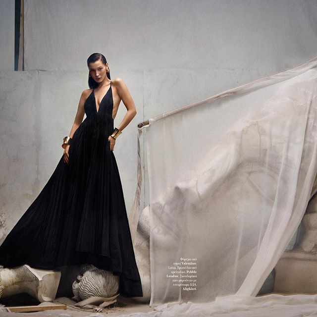 swipe to see how I move and how this dress floooowsss for @txemayeste @voguegreece