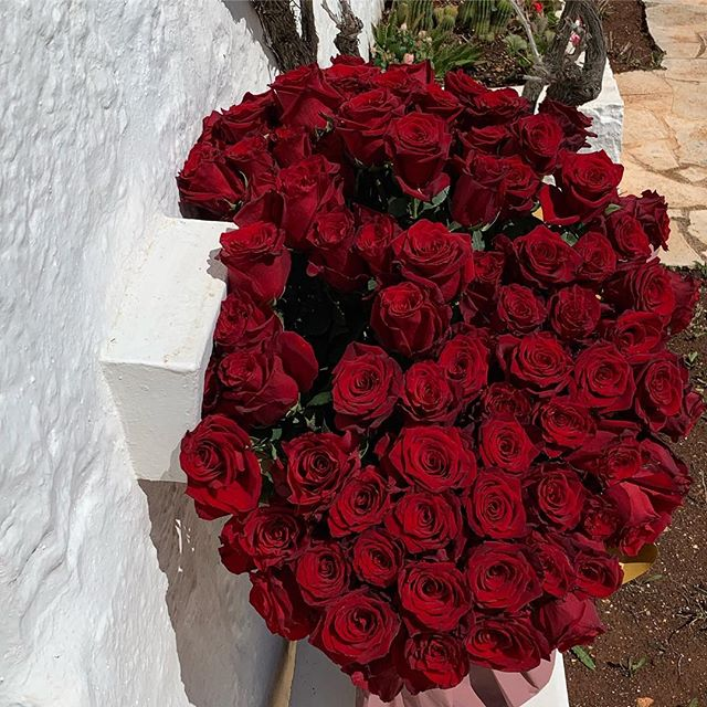 Thank You very much Natia&Leonid   from the bottom of my heart for these incredible red Roses   arrived in Puglia.  You made my Day! Lot of Love         @natiafridland and Leonid