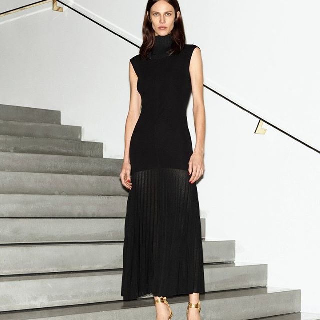 Sophisticated and simple, my #VBPreAW19 cap sleeve pleated midi dress is modest, yet elegant. x VB