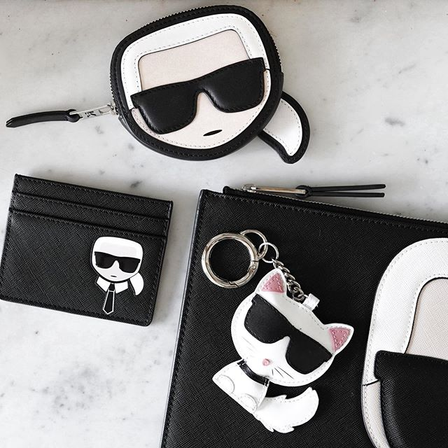 Sunglasses    Ponytail   Shirt and tie    #KARLLAGERFELD