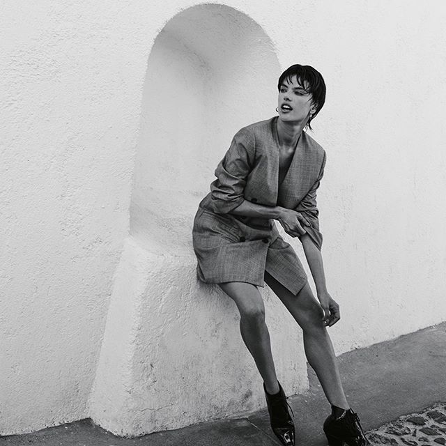 Iconic 90 s  For @voguegreece