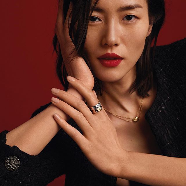 Languages of Love, jewelry edition. @chanelofficial #CocoCrush @jingxiaoxiansheng   @thurstanredding