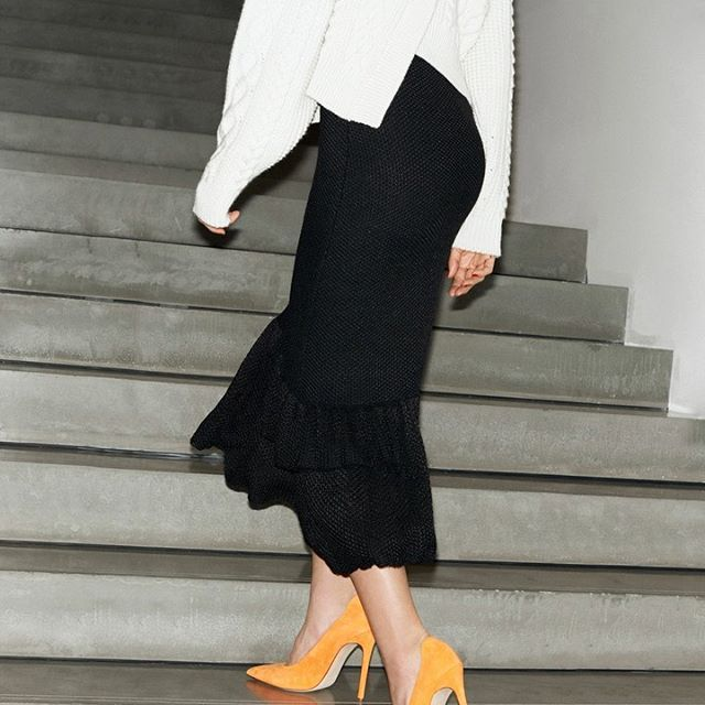 Chunky, cabled knits perfect to layer or wear alone, paired with the orange VB pumps. All part of my #VBPreAW19 collection. x VB