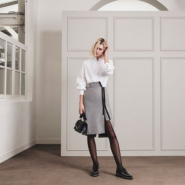 Prepare for the week ahead with modern workwear: sleek skirts, tailored shirts and statement shoes. #KARLLAGERFELD