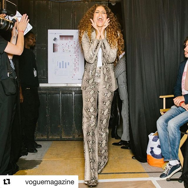 #Repost @voguemagazine     Tonight, in Harlem at the Apollo Theater, @Zendaya and @TommyHilfiger presented their second collection together. Tap the link in our bio to see every look from the collaborative Fall 2019 collection. Photographed by @coreytenold.