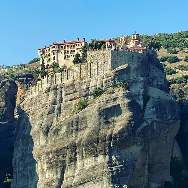 Here is to the 1st day of my pilgrimage... The Meteora is almost 8th wonder of the world, a rock formation in central Greece hosting one of the largest and most precipitously built complexes of Eastern Orthodox monasteries, second in importance only to Holly Mount Athos. Meteora is included on the UNESCO World Heritage List @unesco