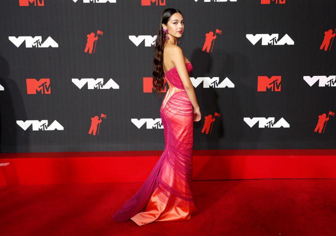MTV VMA 2021: Улаан хивсний ёслол