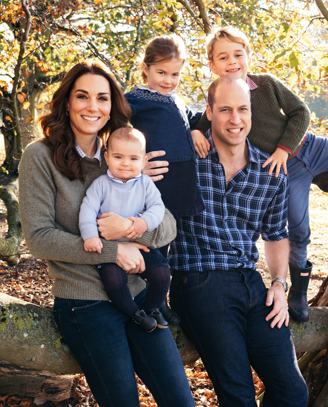 Их Британийн хатан хааны гэр бүлийн гишүүд зул сарын баяраар бие, биедээ юу бэлэглэдэг вэ?