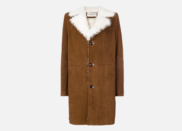 "Нэхий, Saint Laurent<p><a id="""" style="""" href=""https://www.farfetch.com/uk/shopping/women/saint-laurent-shearling-lined-coat-item-12228609.aspx?storeid=9383&size=21&utm_source=Hy3bqNL2jtQ&utm_medium=affiliate&utm_campaign=Linkshareuk&utm_content=10&utm_term=UKNetwork"" target=""_blank"">Farfetch</a></p>"